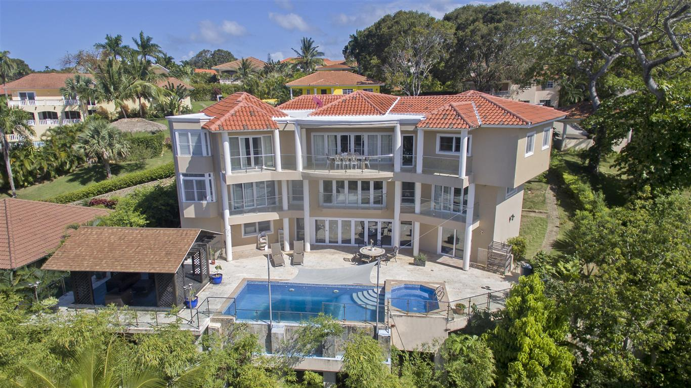Luxury Villa for Sale in an Exclusive Gated Community – Sosua
